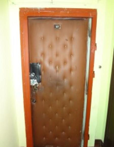 Ремонт входной двери Художников 24 корп 3
